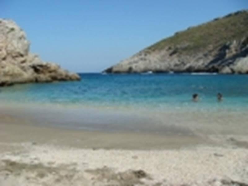 εικόνα παραλία αρμυρίχι εύβοια