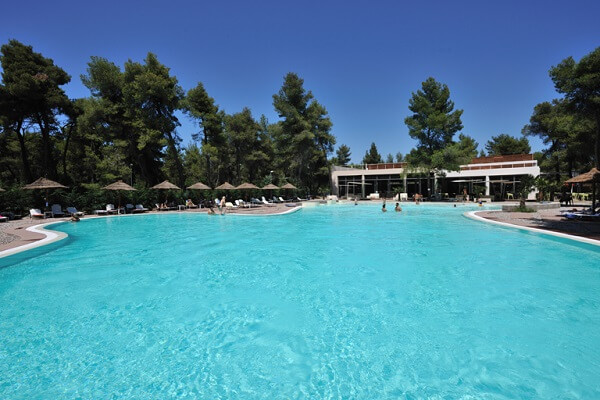 αγία άννα πισίνα