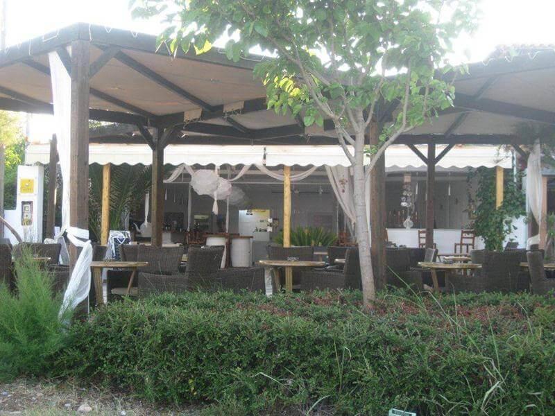 βότσαλο cafe bar αγία άννα εύβοια