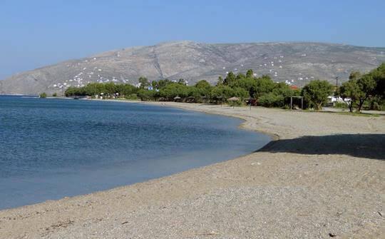 παραλία κάμπος αλιβέρι εύβοια