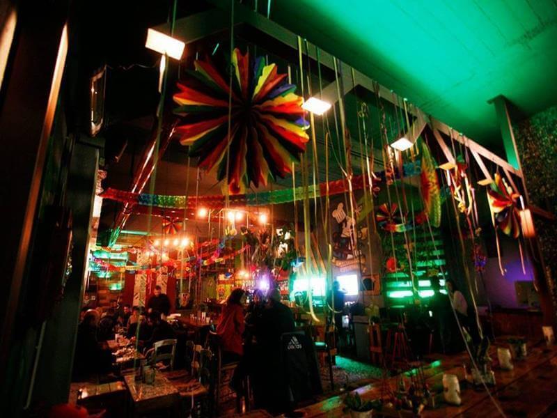 παραδοσιακό καφενείο καραγκιόζης χαλκίδα εύβοια