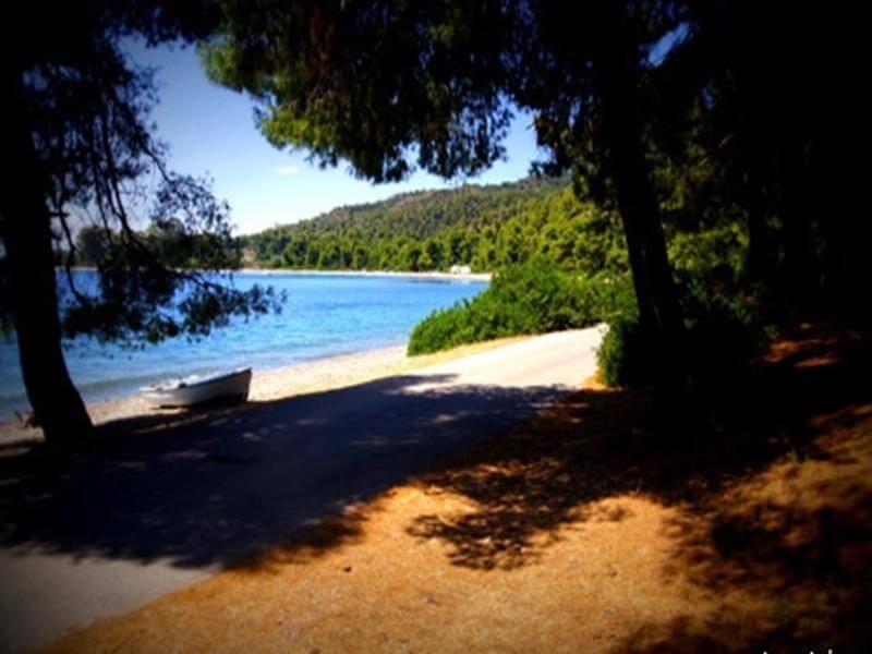 Παραλία Μονής Γαλατάκη εύβοια